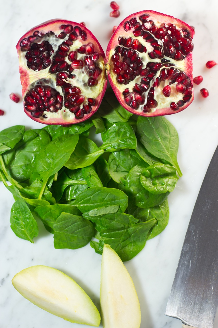 gluten free, gluten free salad dressing, spinach, salad, pomegranate seeds, goat cheese, pears
