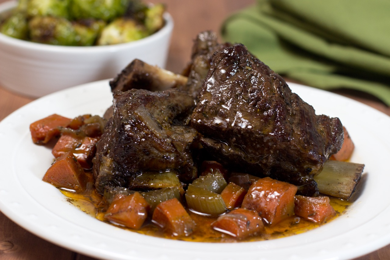 recipe: slow cooker braised short ribs [20]