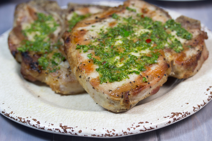 MY SECRET FOR JUICY GRILLED PORK CHOPS (WITH CHIMICHURRI SAUCE)