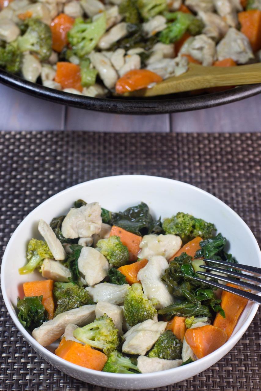 One-Pot, Paleo, Stir Fry, Chicken, gluten free, kale, sweet potatoes, broccoli