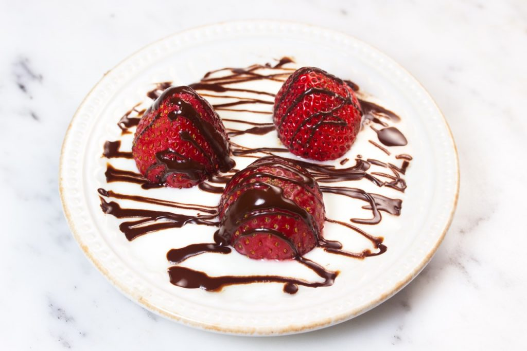 Dark Chocolate Drizzled Strawberries with Homemade Yogurt