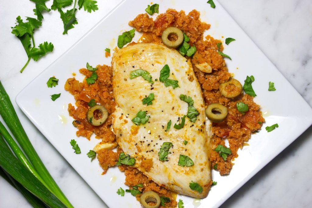Quick One Pan Spanish Style Chicken With Cauliflower Rice